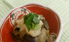 秋茄子と叩き海老の挟み揚げ/香炸秋茄夹虾肉